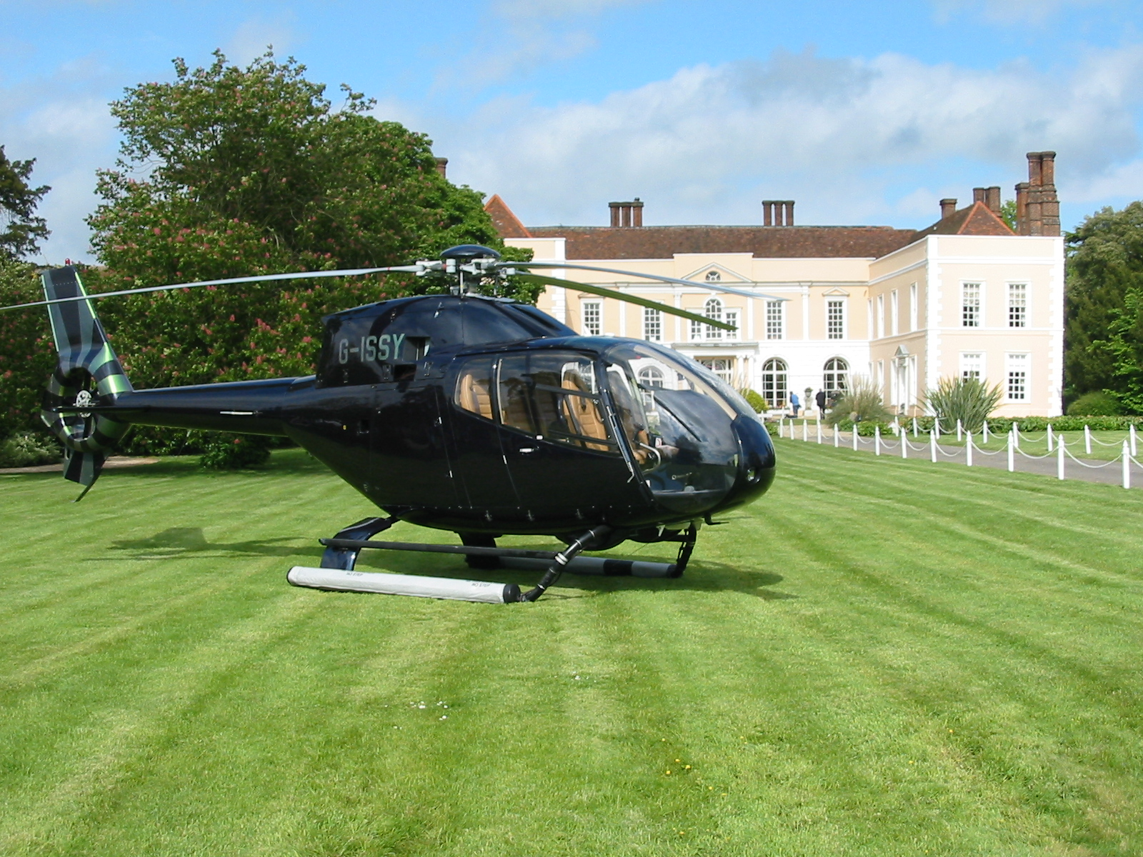 air charter service - helicopter air taxi